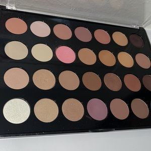 BH Cosmetics 28 Color Eyeshadow Palette neutral